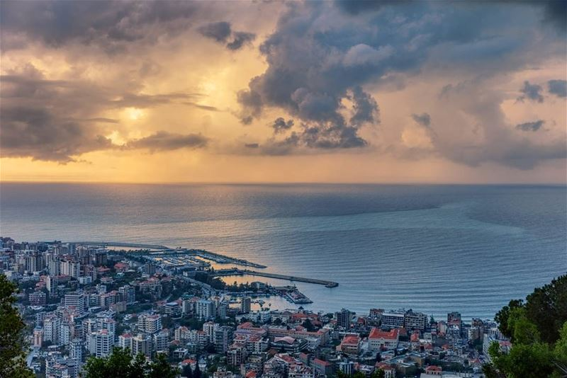 Jounieh view from Harissa----------------------------Canon 5D Mark IVEF... (Jounieh - Harissa)