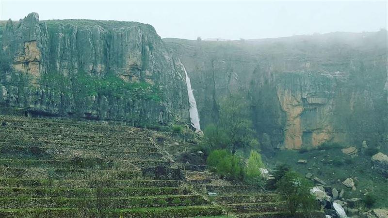 سبت النور الساعة ٦ صباحا شلال نبع اللبن - فاريا faraya waterfall ... (Faraya, Mont-Liban, Lebanon)