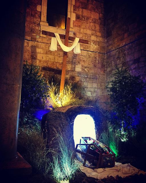المسيح قام حقاً قام 🙏 lebanon  batroun  happyeaster  church  cross ... (Eglise St. Estephan Batroun)