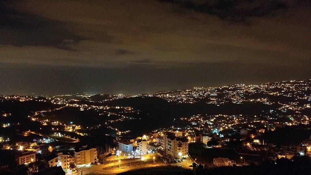 Cloudy nights ☁....... lebanon lebanonnights nightphotography ... (Der Mar Elias Chwaya)
