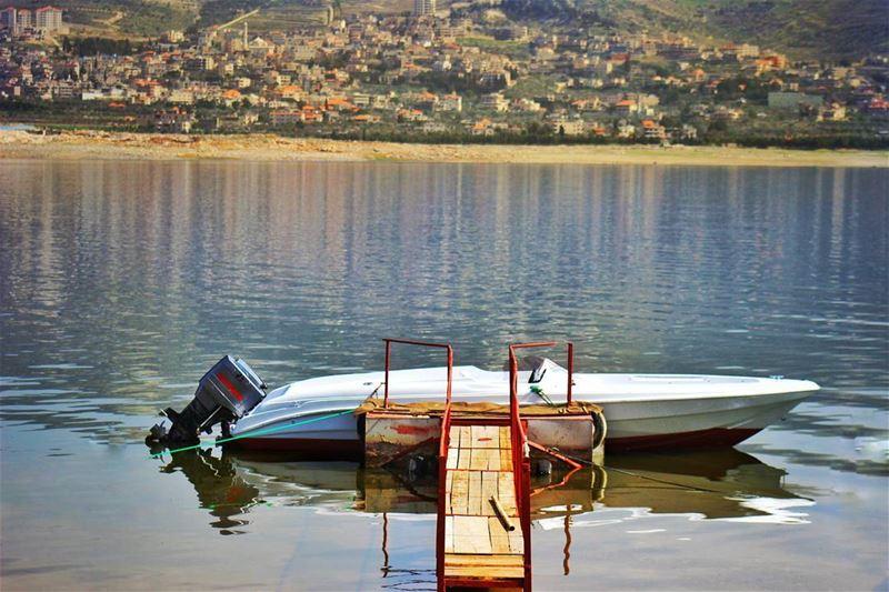 Karoun nature boat lake karoun reflection blue water mountains ... (West Bekaa)