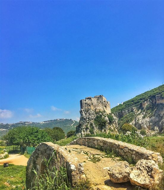 msaylhacastle 🌳🏞 livelovelebanon castle meetlebanon explore ... (Msaylha Castle)