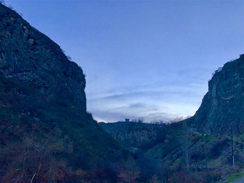 Azat river canyon at sunset! On the back hill we can see the roman temple... (Azat River)