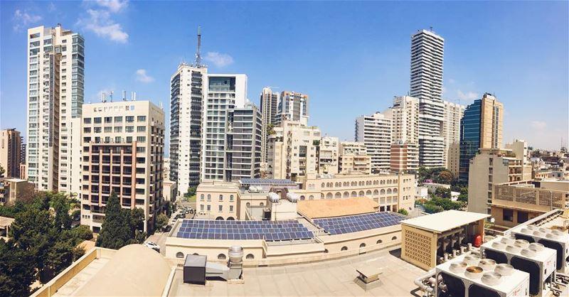 Les grattes-ciel de Beirut 🏙 beirutbyalocal lebanonbyalocal beirut... (Achrafieh, Lebanon)