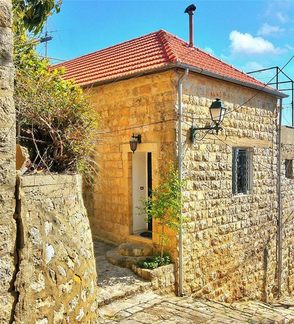 My dream house ❤ lebanon nature naturelovers natureporn landscape ... (Dayr Al Qamar, Mont-Liban, Lebanon)