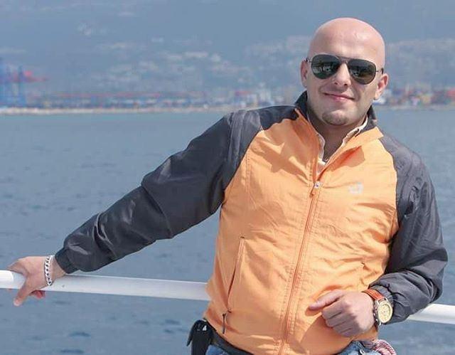 😎 Portrait Throwback Me Myself I Baldman Lebanese orange man ... (Beirut, Lebanon)