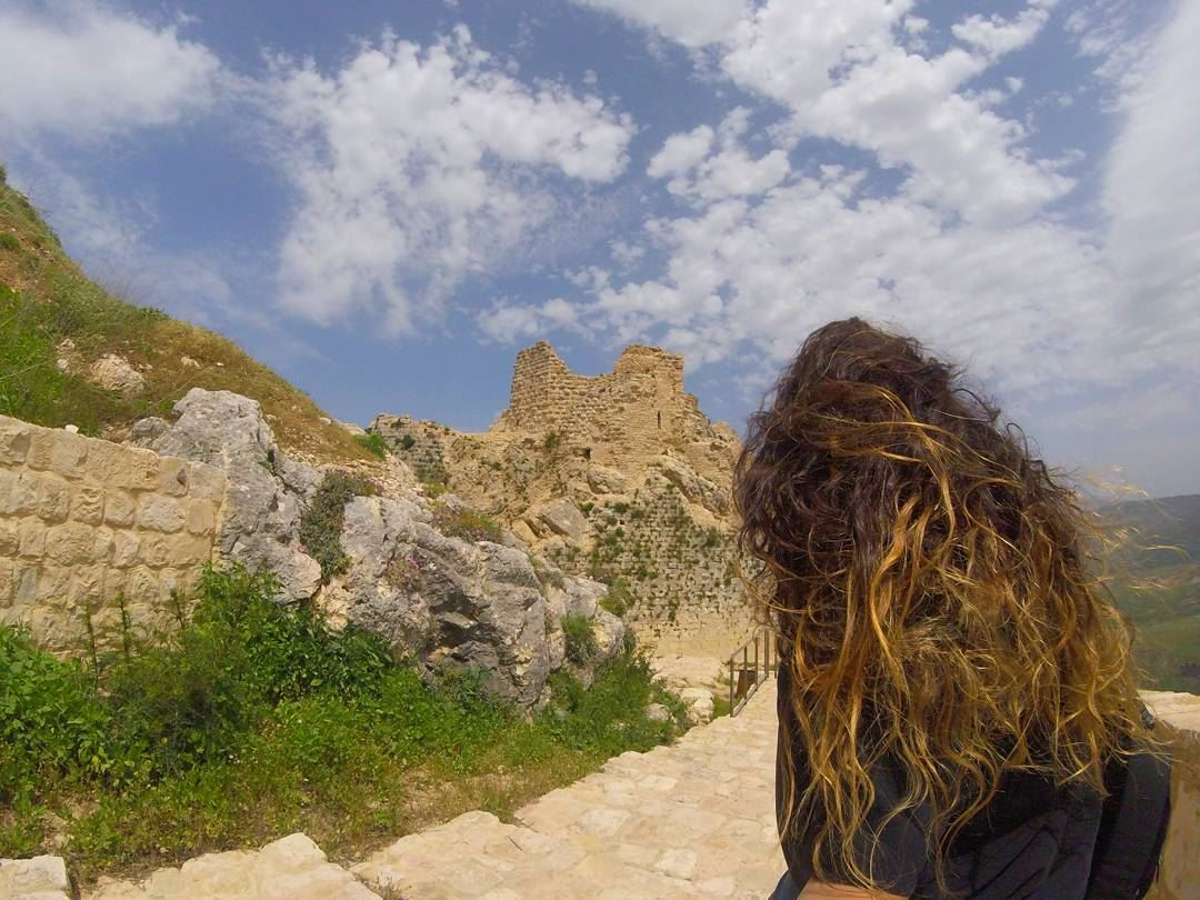From where they stood, they could see the castle 🏰... outsiders ... (Shkif Castle)