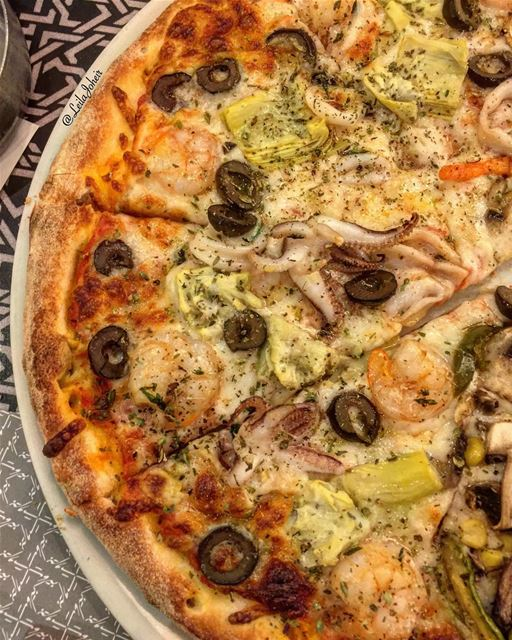 What i'm craving right now🙄 sorrydiet tb sunday pizza seafood ... (Terrace Beirut - Kantari Village)