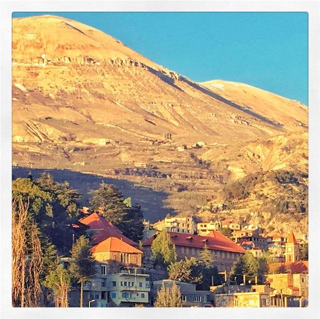 Bsharre... Un charme irresistible... lebanon bcharre travel tourism ... (Bcharreh, Liban-Nord, Lebanon)