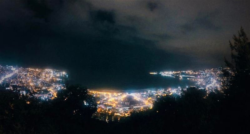 Human stars ✨✨ light electricity city urban night photography view ... (Joünié)