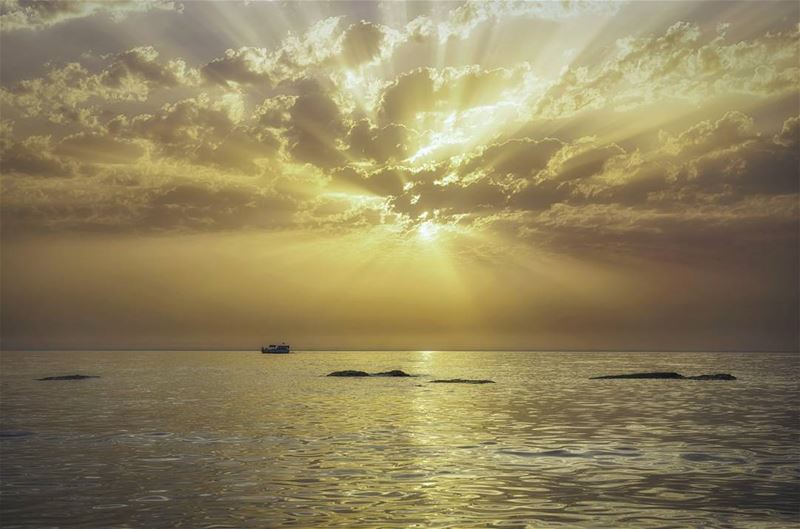 landscape sunset sunrays hot lightrays nature mediterranean sea sealovers...