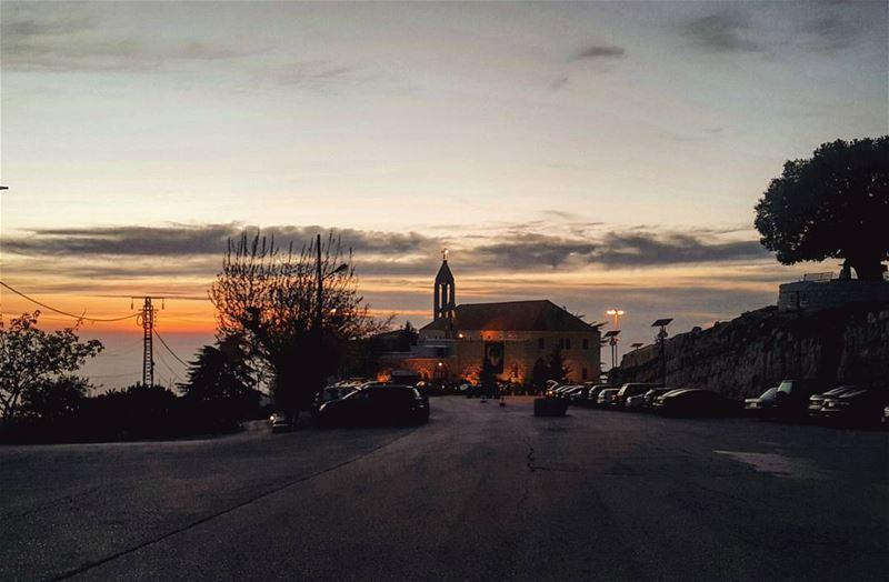 🙏 (Annaya - Saint Charbel.)