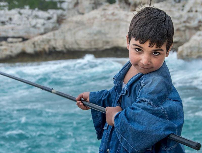 5 years old fisherman🎣🌊.... nikon100portraits nikon portraits... (Selaata)