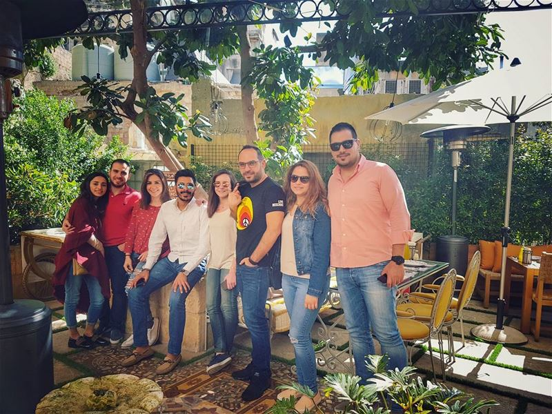 When  family is mixed by lovely  friends 😍 thebest  friendshipgoals... (El Denye Hek الدنيا هيك)