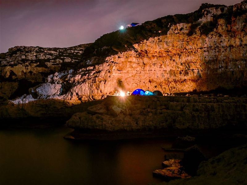 ⛺🎣🌌..... saturday night camping friends nightphotography clif... (Selaata)