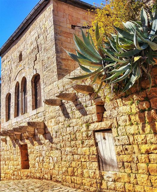 Beautiful old Monastery 🙏 lebanon nature naturelovers natureporn ... (Deïr El Qamar, Mont-Liban, Lebanon)