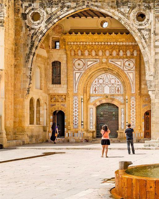 O Palácio Beiteddine é a joia da coroa do Monte Líbano, construído entre... (Beiteddine Palace)