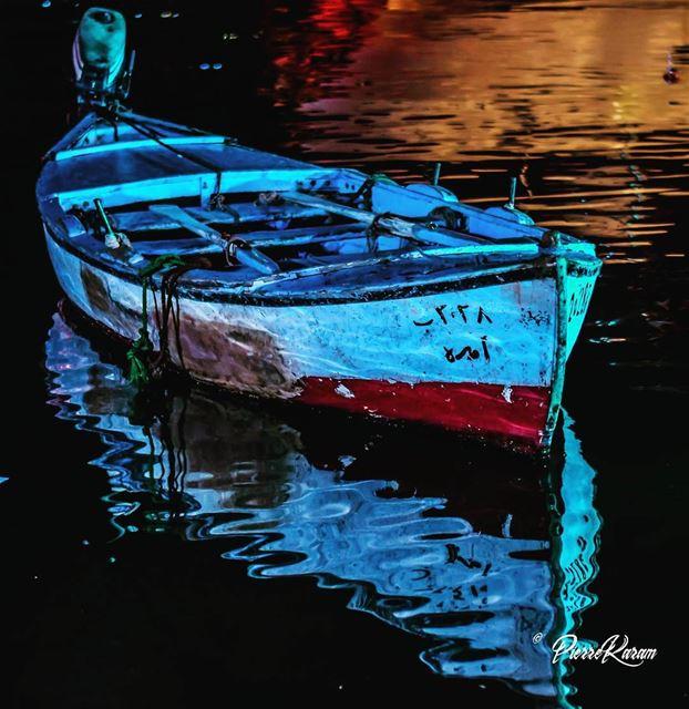 يا اميرة كل النجمات small boat night byblos jbeil lebanon ... (Byblos - Jbeil)