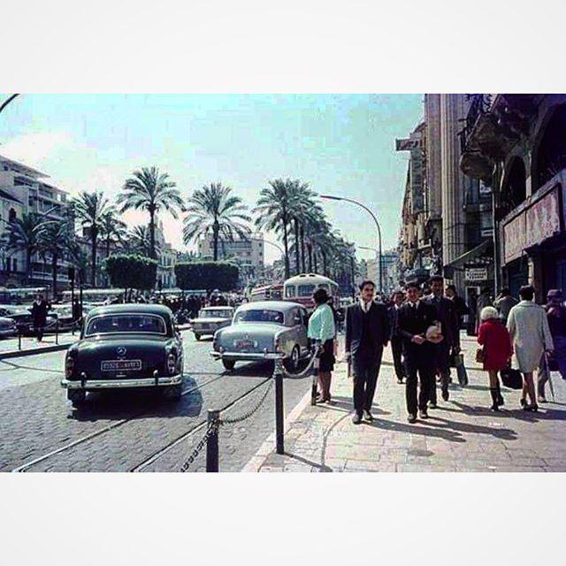 ساحة الشهداء ، بيروت عام ١٩٦٤ .