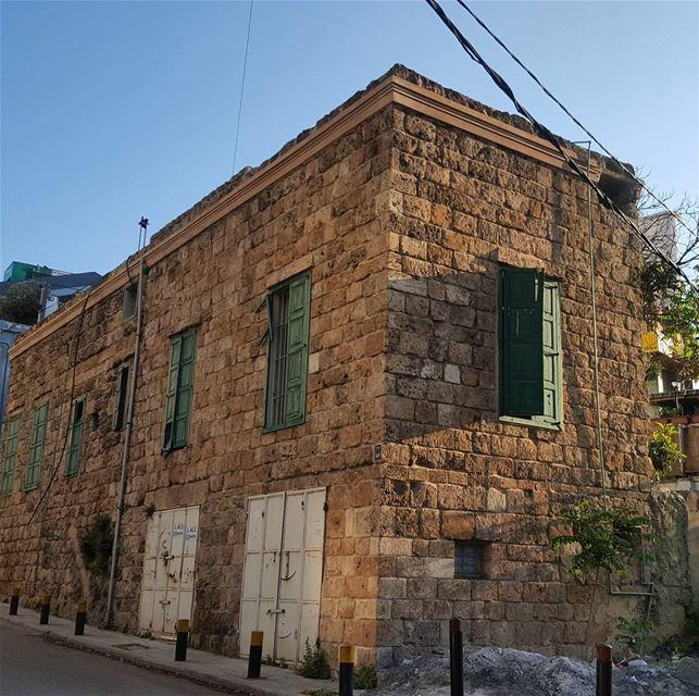 Home photooftheday insta_lebanon instabeirut lbheritage ... (Monot, Achrafieh)