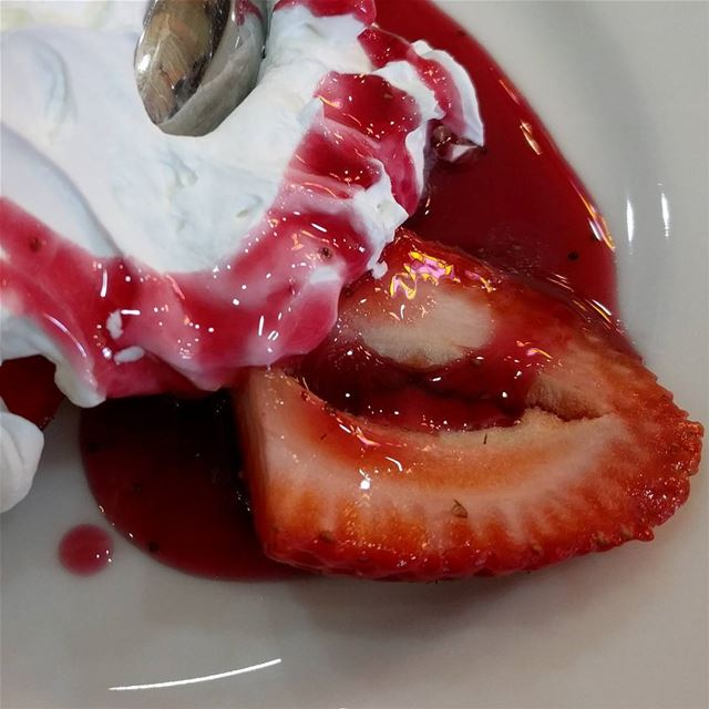strawberrylovers strawberrywithcreamandsyrup strawberrysauce fresh ...
