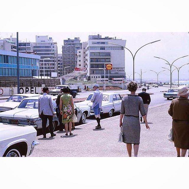 بيروت الروشة عام ١٩٦٥ ،