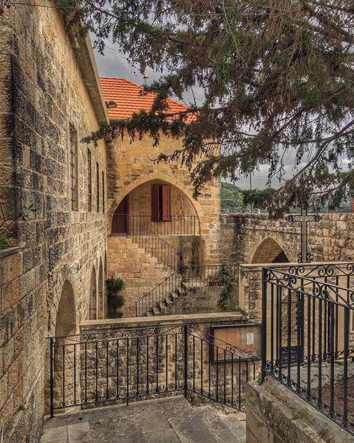 Stairways to Heaven.... oldtowns historicalcity archidaily archilovers... (Deïr El Qamar, Mont-Liban, Lebanon)