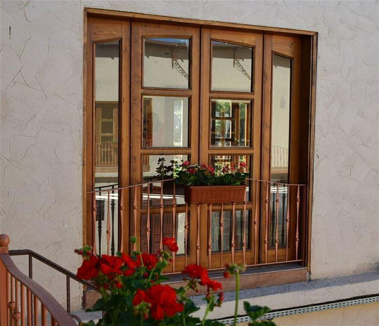doors of lebanon ❤❤ reflection nikon photography flower power 🌼 (Lebanon)