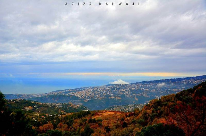 Helle everyone💙 From Dhour Shweir by @azizakahwaji 😍💙😍💙😍💙😍💙 ...