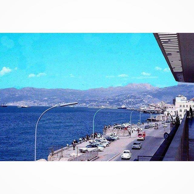 كورنيش السان جورج ( ميناء الحصن ) الصورة من فندق فنيسيا ،