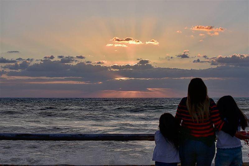 Family sunseting ... lebanon sunset family ig_lebanon super_lebanon ... (Dbayeh, Mont-Liban, Lebanon)