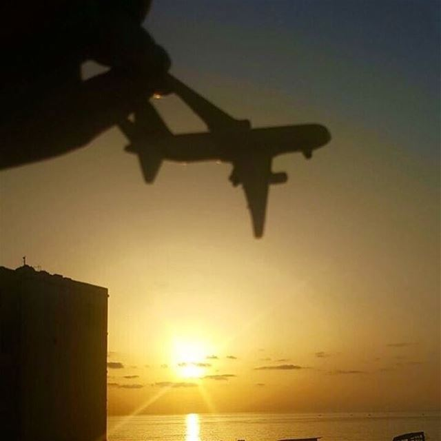sunsetcaptures catchthemoment lebanon livelovelebanon liveloveplanes ...