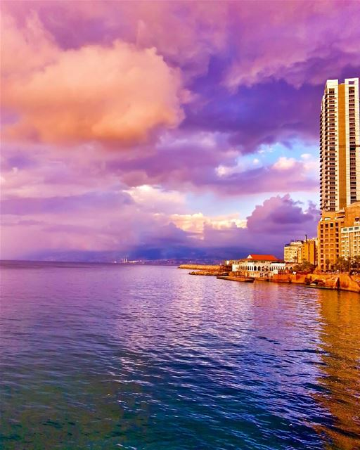 April rainbow sunset🌅🌈Who saw this amazing sunset in Beirut🎨?Enjoy ur...