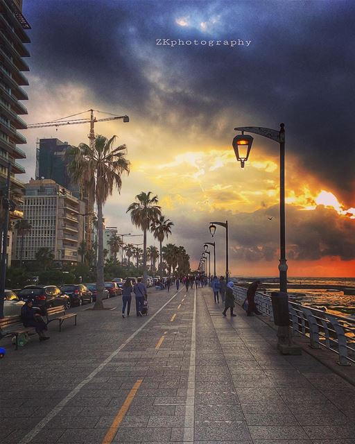 قل للغياب نقصتني وأنا أتيت لأكملك. •درويش • ptk_lebanon ... (Corniche Manara Beirut)