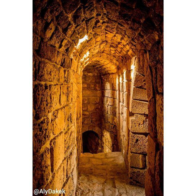 A tour inside the old Crusader sea castle 🚶♂️ lebanon lebanonbylocal ... (Sidon Sea Castle)