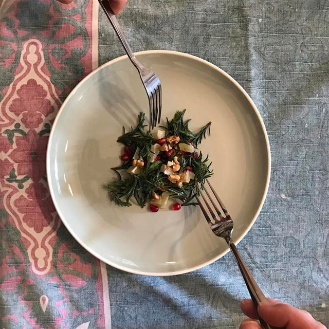 Fresh thyme, nuts, lemon cubes, pomegranate seeds, happy sunday✨ (Beirut, Lebanon)