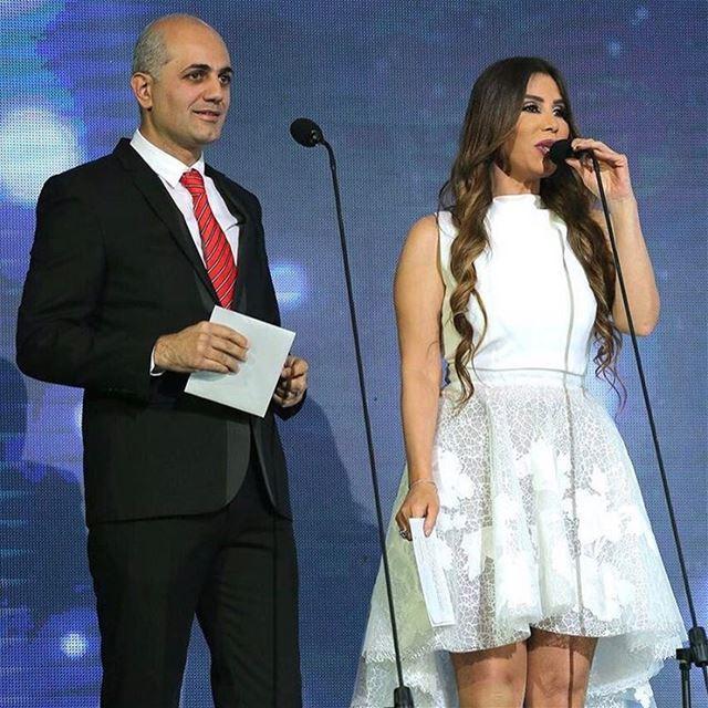 من حفل جائزة الموسيقى العربية في بيروت مع المذيعة المتألقة يمنى شري.... (Joünié)