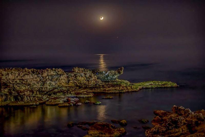 Moon reflection ... lebanon batroun kfarabida ig_lebanon ... (Kfarabida Batroun)