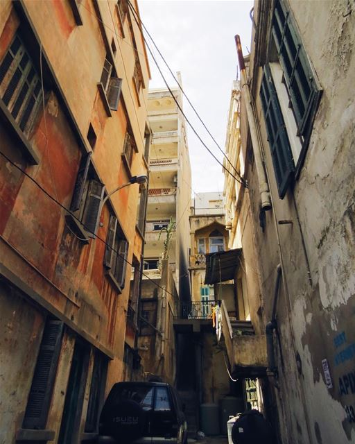 Wandering in the little street of Beirut 🚶🏻‍♀️ beirutbyalocal... (Ain El Mreisse, Beyrouth, Lebanon)