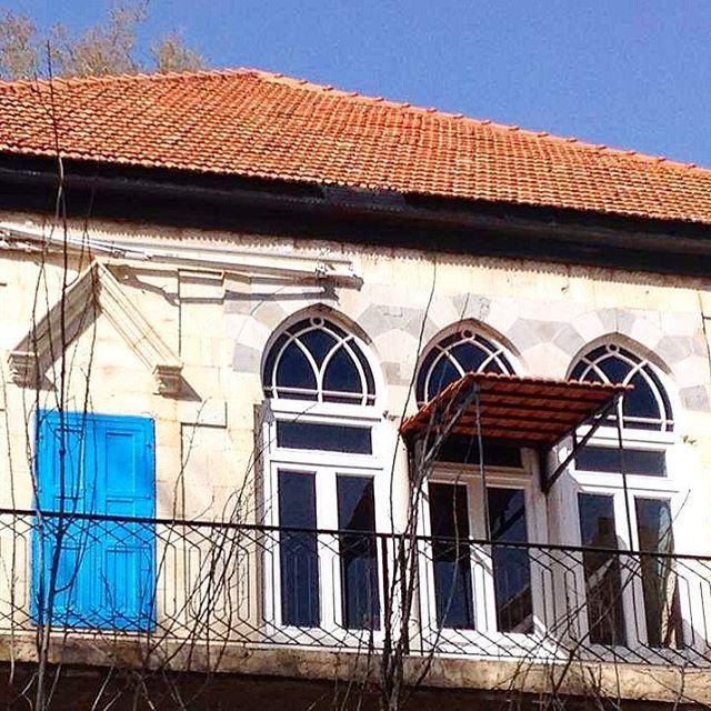 Oldhouse charm spotted in Douma 🏡🏡 lebanon instapic instaphoto ... (Douma, Liban-Nord, Lebanon)