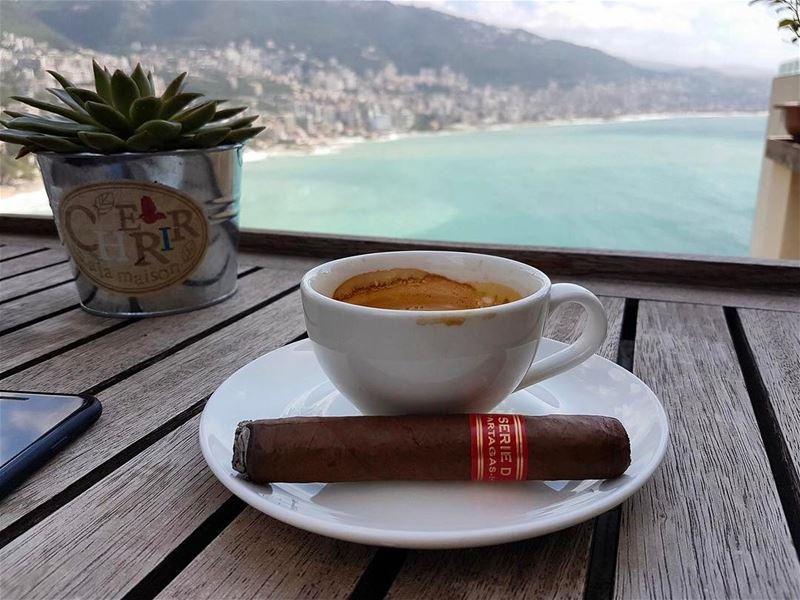 Good 😊 morning from lebanon. lebanon weather morning coffee cigar cigars... (Joünié)