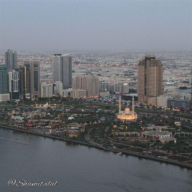 تصويري عدستي لبنان بيروت الامارات الشارقة دبي العين عمان جدة الا (Buhaira Corniche, Sharjah, UAE)