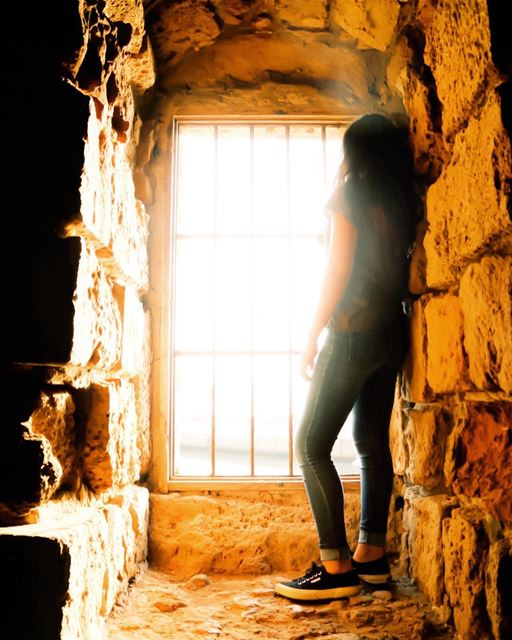 نافذة على العالم - الجزء ٣ 👀🌆🌆👀 The World Through a Window - Part 3 -- (Sidon Sea Castle)