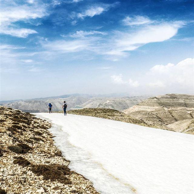 White Carpet hike snow heights peaks spring ridge trek trekking ...