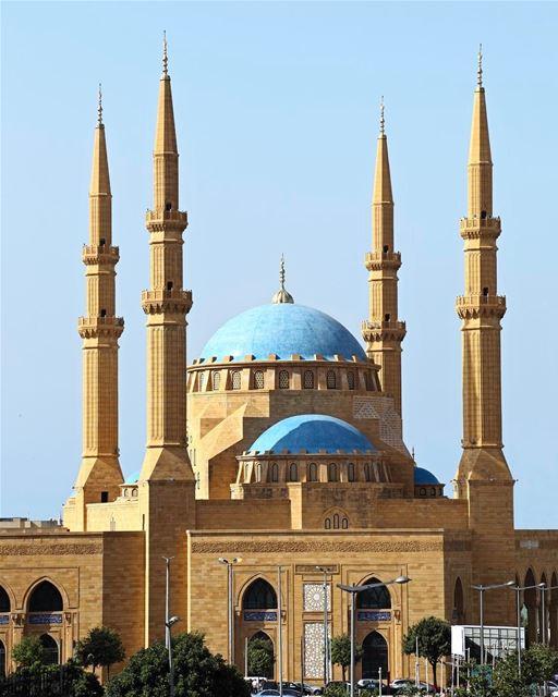 Fotografia espetacular da grandiosa Mesquita Azul (ou Al-Amin Mosque):... (Mohammad Al Amin Mosque)