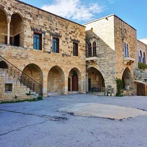 Hamades Sarail, Baaklin. Hamades Sarail sarail palace baaklin shouf chouf...