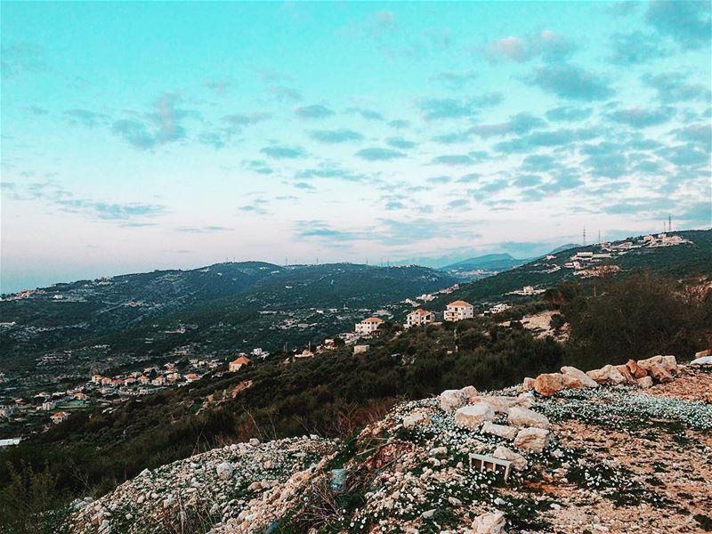 Good evening Lebanon 🏞 worldplaces beautifuldestination lebanon ... (Batrouun)