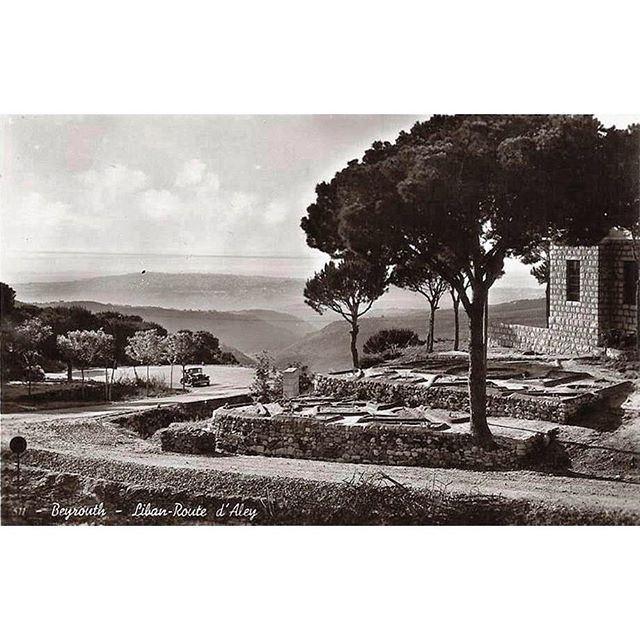 طريق بيروت عاليه زمن الثلاثينيات .