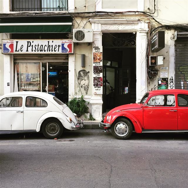 Perfect Couple ♥️ ........ onthestreets vw vwbeetle vwlovers ... (Mar Mikhael-Armenia The Street)