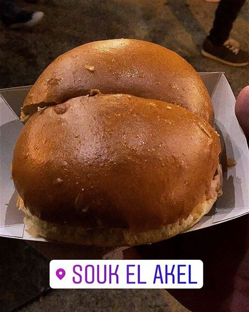 🍔 soukelakel Amchit streetfood foodporn burger tasty delicious ... (Souk el Akel)